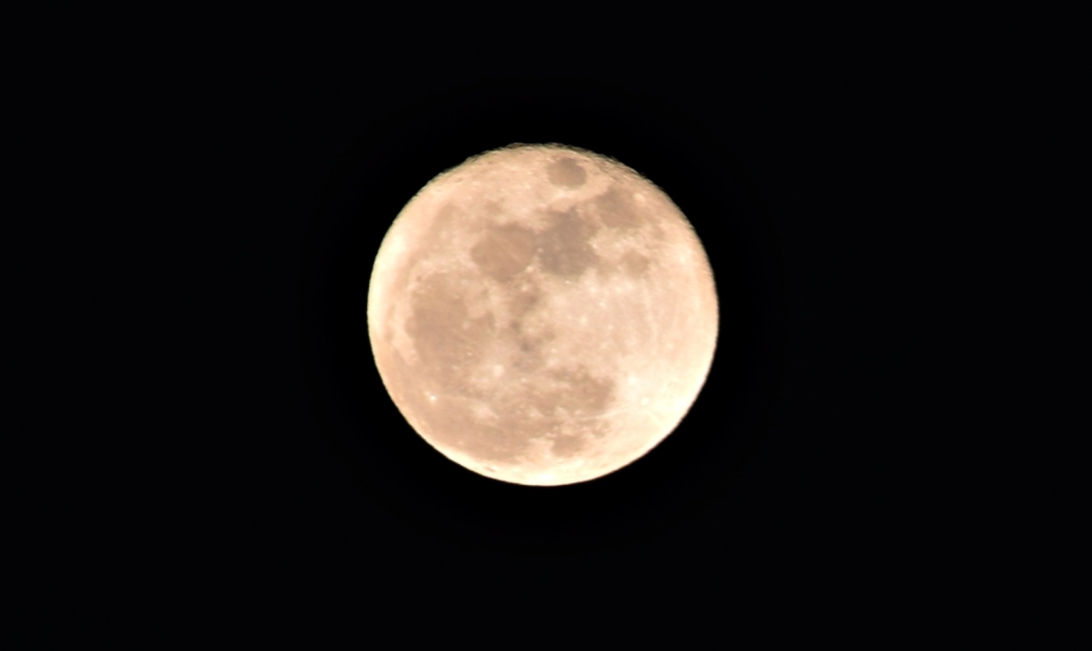 moon3closer