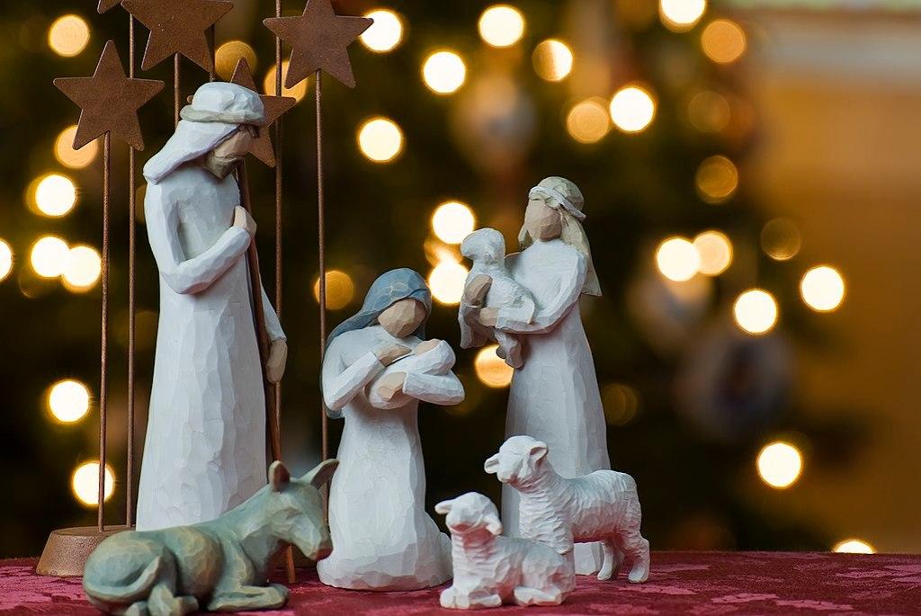 1024px-Nativity_tree2011